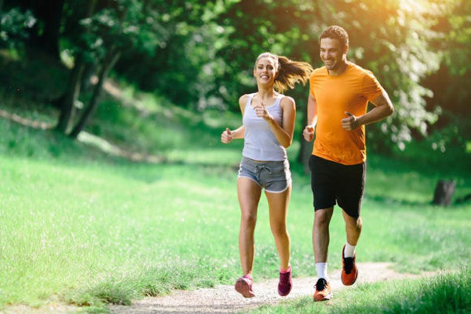 Tăng cường vận động là một trong những cách để phòng ngừa bệnh nứt kẽ hậu môn.